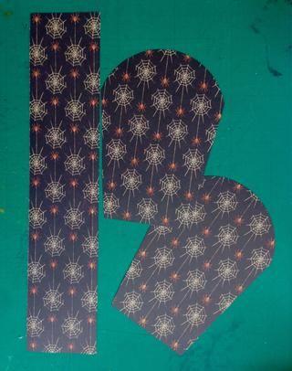 Trace la plantilla tumba sobre un papel de patrón de elección- necesitará 2 de ellos ... Y cortar un 2,5