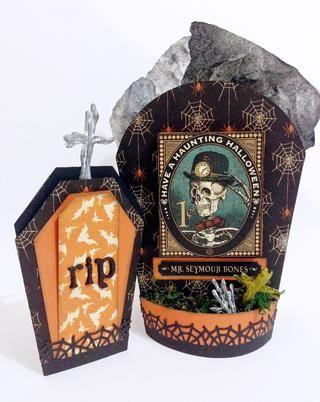 El regalo de la fiesta tumba completa fijado para Mr. Seymour Huesos como se muestra ...