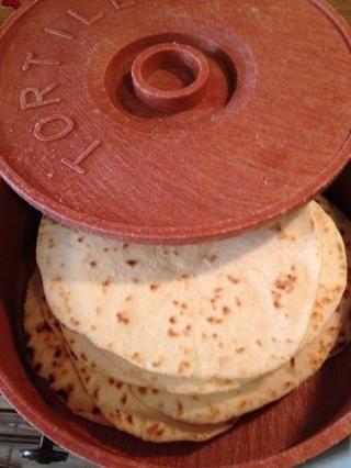 Tenga más cálido tortilla. Comer y disfrutar.