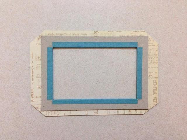 Da la vuelta al marco de una y recortar las esquinas como se muestra ...