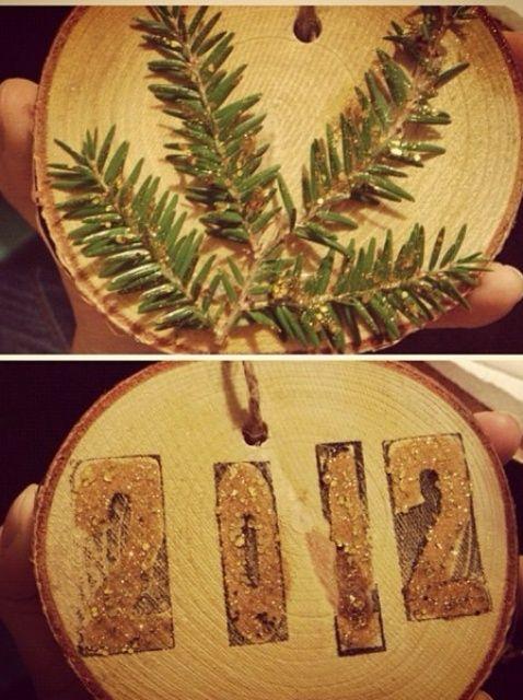 Cómo hacer adornos de la rama de árbol de Navidad