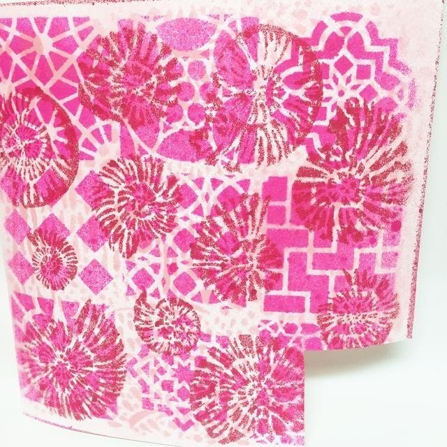 Aquí está el terminado de papeleo que se reservó para secar también. los Spritzers Colorbox y Stephanie Barnard Sprays secan bastante rápidamente, dependiendo de la cantidad que usa.