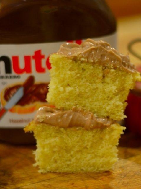 Cómo hacer Vanilla Cupcakes Con Nutella Frosting !! Receta