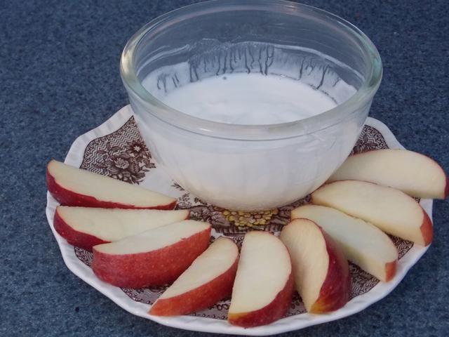 El té es naturalmente dulce así que no hay necesidad de edulcorante extra! (A menos que se desee.) Sabe muy bien con las manzanas, fresas, piñas .... casi cualquier fruta!