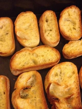 Una vez que su pan es su toastyness deseada, tome eso.
