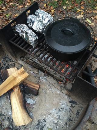 Tape y cocine a fuego lento una media hora.