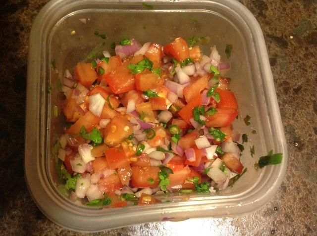 Añadir un poco de sal, y darle una buena mezcla. Pruebe y agregue más sal si es necesario. Dejar de lado.