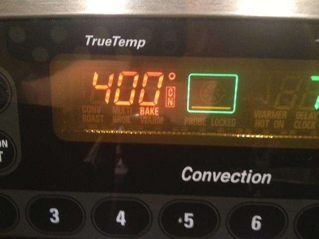 Precaliente el horno a 400 F.