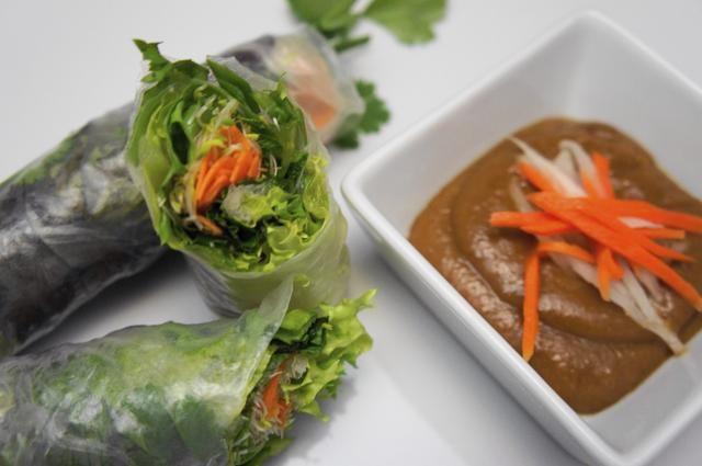 Disfrute de sus rollos de verano Vegetariana Vietnamita. Ideal para una dieta baja en carbohidratos, bajo en calorías comida.
