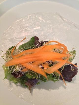 Las zanahorias siguiente. Ellos dan su rollo un toque de color, porque usted no't have any protein.