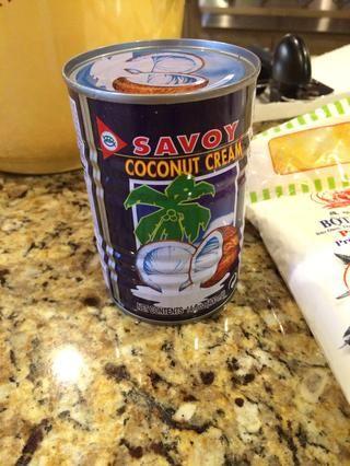 1 lata de crema de coco.