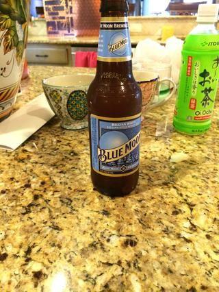 1 botella de cerveza.