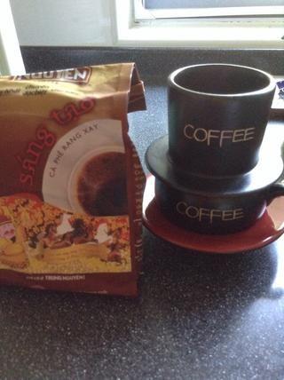Obtenga su café molido.
