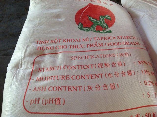 El arroz molido se mezcla con el almidón de tapioca con aproximadamente la misma cantidad de cada uno para que sea más flexible.