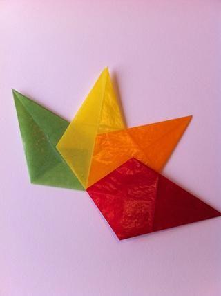 Continúe agregando colores hasta que esté en su forma última de diamantes.