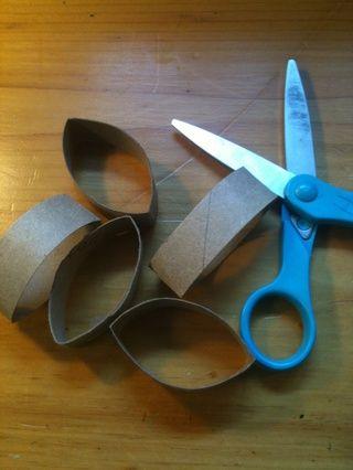 A continuación, corte a lo largo de las líneas para conseguir 5 pedacitos.