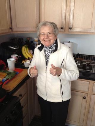 Obtener la abuela para dar un pulgar hacia arriba!