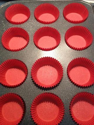 Alinear el estaño 12 pastelitos