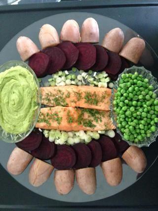 Organice sus preparativos y sacar el salmón del horno servirles aún caliente y muy húmedo. Es delicioso si te gusta el salmón