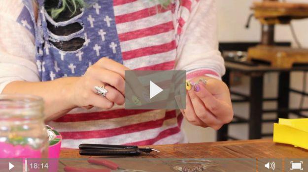 Fácil tutoriales joyería de alambre | Este curso envoltura de alambre hecho a mano es genial! http://artesaniasdebricolaje.ru/how-to-make-wire-jewelry-wire-wrapping-tutorials