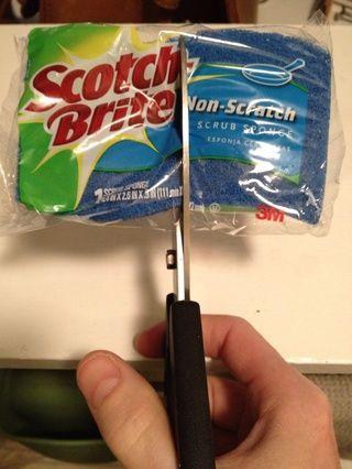 Ahora corta que la esponja en dos! (Siéntate si ya se siente mareado).