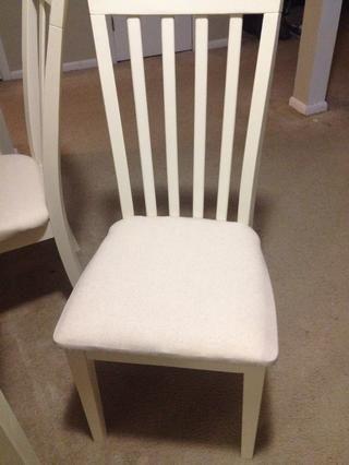 Atornille su asiento de nuevo en la base de la silla y ya está!