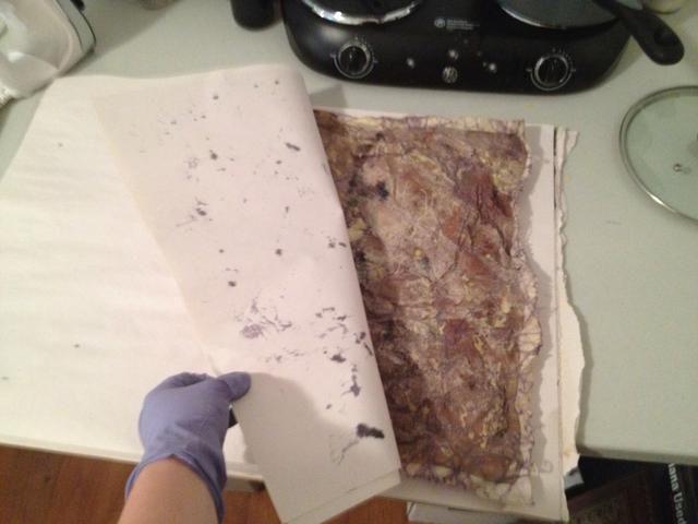 Revise su papel y obras de arte a menudo al papel chane o ver dónde se necesita para derretir más