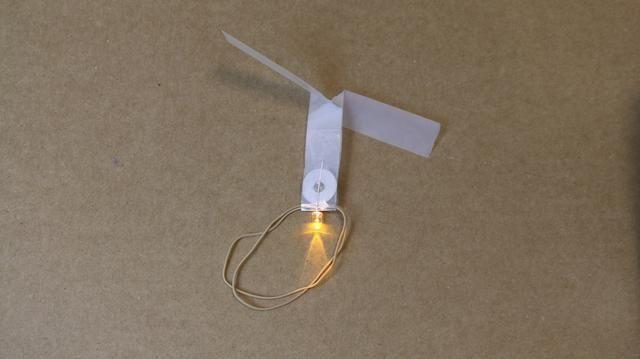 El acabado LED helicóptero, listo para lanzar.