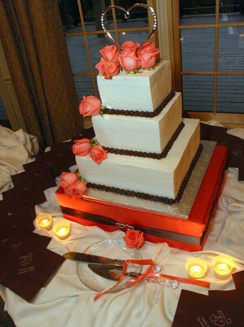 Cómo hacer tu propio pastel de boda de soporte
