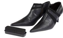 cepillo de zapatos negros