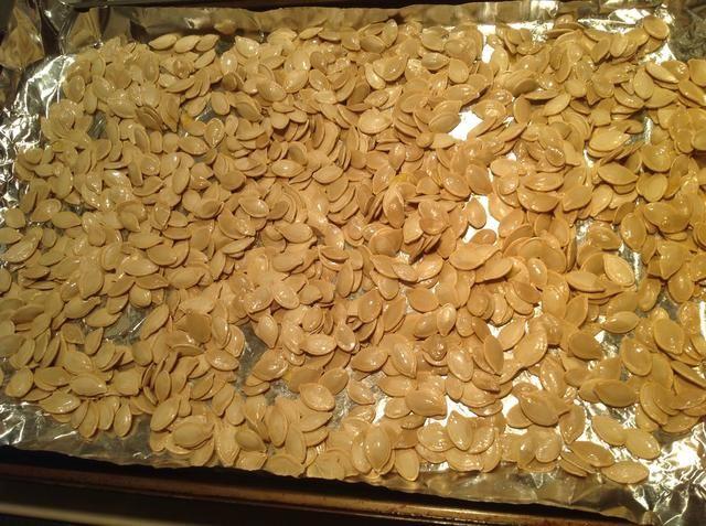 Sacarlos y remover a su alrededor. Poner de nuevo en el horno, pero ambientada en a 350 grados durante 10 minutos.
