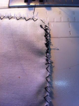 Así es como aparece la costura una vez que haya obtenido la última curva con un poco de costura en reversa.