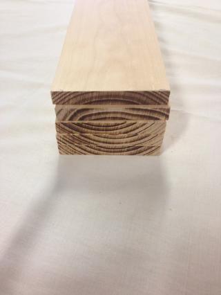 Aquí están las piezas como deberían aparecer después de haber disco les lijada a la longitud. Trate de evitar la quema de la testa tanto como sea posible a medida que tendrá que lijar más tarde.