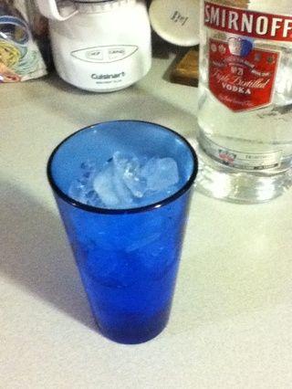 Medio lleno de vodka ...