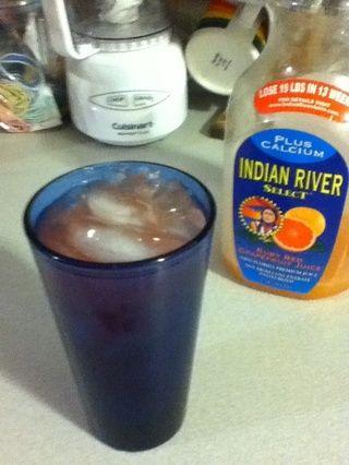 Rematar con la toronja. Utilice el material pulposo, que hace que su noche de copas en una experiencia nutritiva.