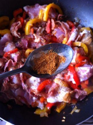 En lugar de piccante salami añadir una pizca de pimienta de chile en polvo. (don't forget to add other spices from the original recipe)