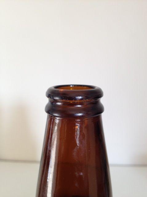 Cómo abrir una cerveza sin un abrelatas
