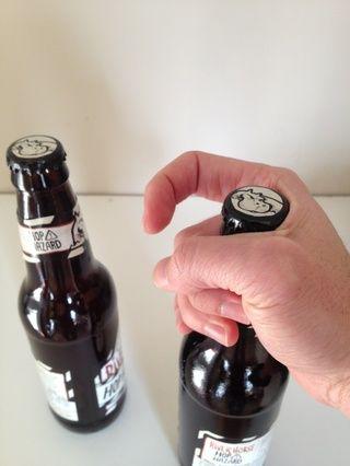 Es todo sobre el dedo en el gatillo. Esta mano se encuentra en la cerveza que desea abrir y ahora se llama # 1.
