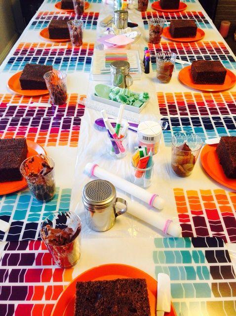Cómo organizar la torta de la fiesta de cumpleaños Decoración