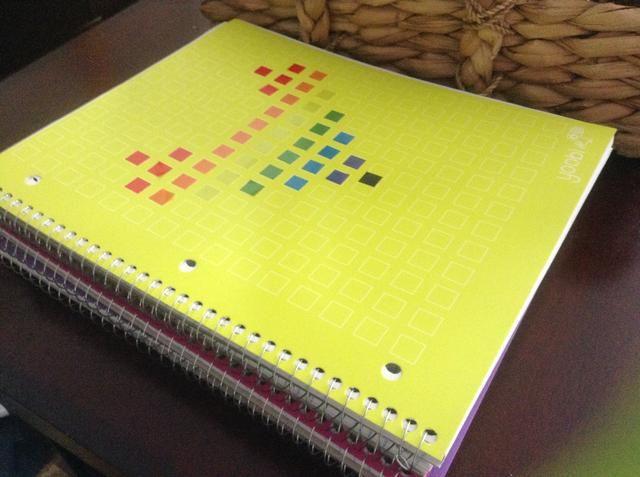 También me tomé algunos cuadernos Yoobi.