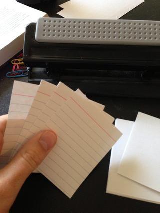 Me gusta tener la línea roja en la parte superior de mis tarjetas de nota, pero usted puede organizarlos como quieras.