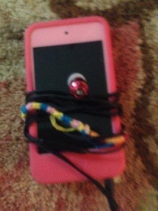 Añadí mi iPod para jugar juegos, escuchar música en el autobús y más.