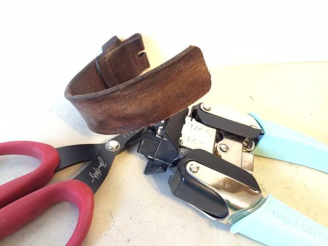 Me arreglé el cinturón a mi longitud deseada y redondeado las esquinas del borde cortado.