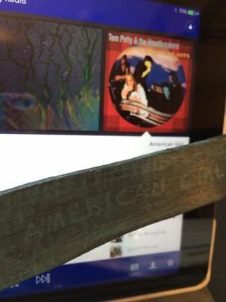 Mira lo que pasó! N, mientras que yo estaba haciendo mi pulsera American Girl, Tom Petty llegó en Pandora cantando American Girl! Que estaba destinado a ser...