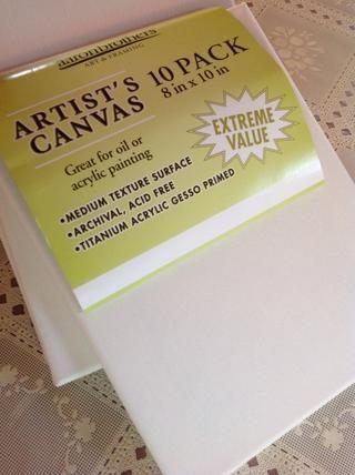 Cualquier artista tamaño del lienzo funcionará. Elegí 8x10 lo que hace un buen tamaño mesa. Este fue un paquete de diez de los que compré en Aaron Brothers, pero la mayoría de las tiendas de artesanía también venden lona en una variedad de tamaños.