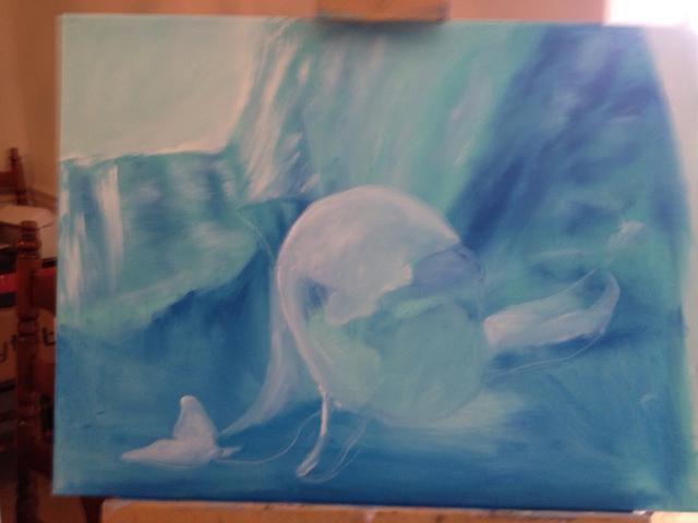 Dibuja tu marsopa con su dedo meñique. Usted puede utilizar su cuchillo para raspar la pintura dentro del boceto como lo hice.
