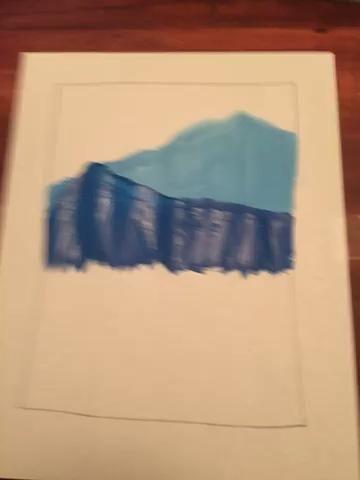 Utilice el valor 4 para pintar su próxima montaña. Superposición tu monte anterior. Haga que cada pico de la montaña diferente.