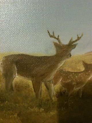 Puse en los cuernos con el color de ciervos y blanco. He utilizado el forro Twiggy y adelgazada que la pintura se acerca tinta similares. También puse en pequeños trozos de color más claro lo que ISN't the same all over.