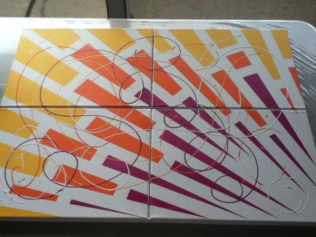 Si decido colgar los lienzos por separado, los remolinos de color ayudará a unificar una agrupación. Esta pintura se titula,