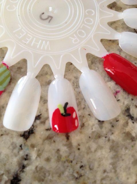 Fotografía - Cómo pintar las manzanas en las uñas